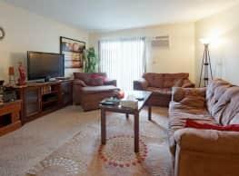 Highland Park Apartments - Fridley