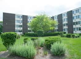 Marquette Apartments - Gary