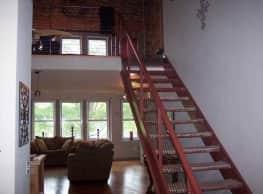 DK Enterprise Luxury Lofts - Fayetteville