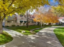 West Oaks Apartments - Lancaster