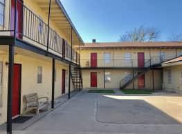 Delmar Place Apartments - San Antonio