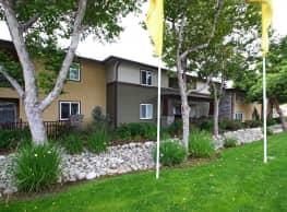 Dakota Creek Apartments - Upland