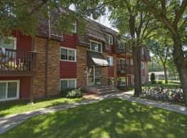 Royal Oaks Apartments - Blaine