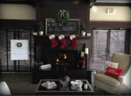 Lakeside Apartments - Wheaton