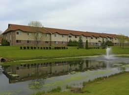 Villa Royale Apartments - Kenosha