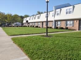 Hampton Creek Apartments - Hampton