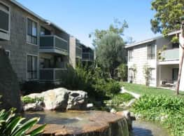 Pinecreek Apartments - Costa Mesa