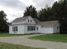 Large 3 br farmhouse in Zumbrota. - Zumbrota