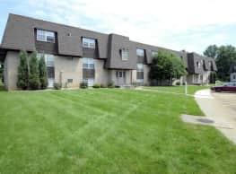 Deer Creek Apartments - Austintown