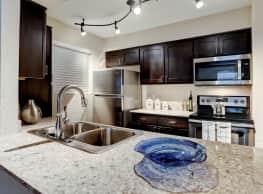 Le Renaissance Apartment - Houston
