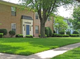 Williamsburg on The Lake Apartments of Elkhart - Elkhart