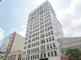 Majestic Loft Apartments - Milwaukee