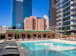One Light Luxury Apartments - Kansas City