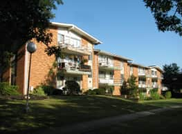 Pinecrest Apartments - Broadview Heights