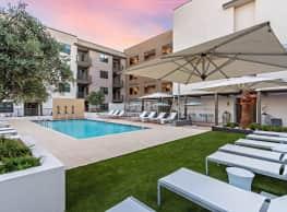 Capital Place Apartments - Phoenix