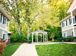 Emerald Creek Apartments - Grand Rapids