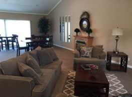 Cottonwood Creek Apartments - Saint Joseph