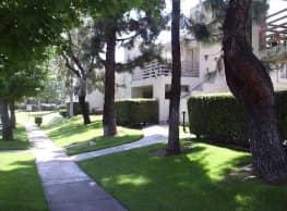 Lomita Court - Alta Loma
