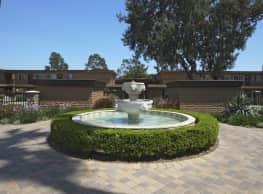 The Courtyards - Norwalk