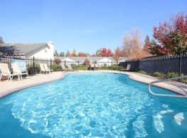 Country Club Estates - Fresno