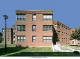 West Court Apartments - Wilmington