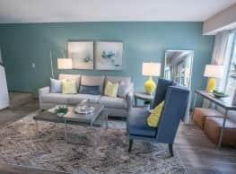 Westchester Townhomes Rental Homes - Westlake