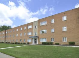 Belvoir Center Apartments - Cleveland Heights