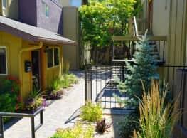 Plumas Garden - Reno