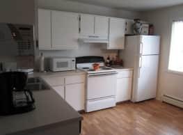 Surrey Place Apartment Homes - Westmont