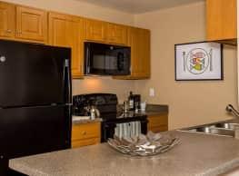 Apres Apartments - Denver