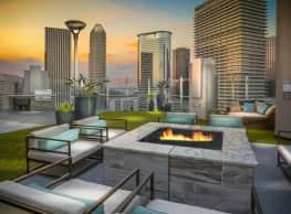 SkyHouse Main - Houston