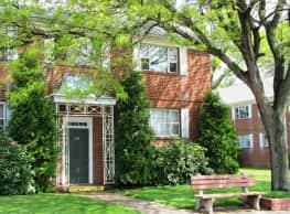 Northwood Square Apartments - Newington