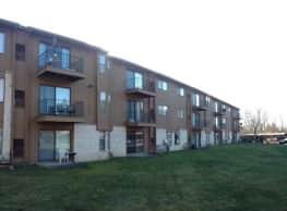 Pine Aire Apartments - Southfield