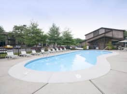 Forest Creek Apartments - Middletown