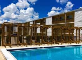 Summit at Campus Edge Apartments - Tallahassee