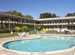 Rochester House Apartments - Royal Oak
