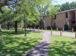 Tall Oaks Apartments - Schenectady
