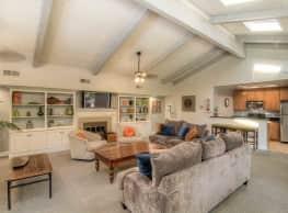 Brooklake Apartments - La Habra