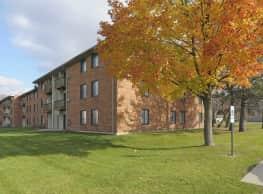 Rosewood Apartments - Round Lake