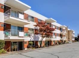 Washington Court Apartments - Easton