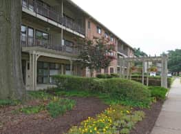 LaSalle Park Apartments - Hyattsville