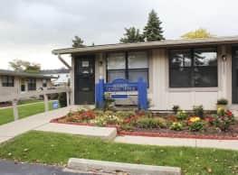 Heathmoore Apartments - Clinton Township