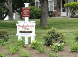 Townhomes at Meadowbrook Village - Fitchburg