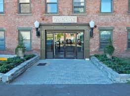 Strouse Adler - New Haven