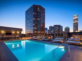 Eighth & Grand - Los Angeles