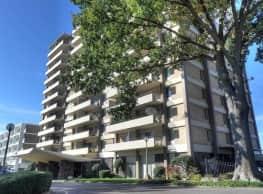 Embassy House Apartments - Memphis