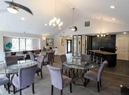Fox Glen Apartments and Fitness Club - Saginaw