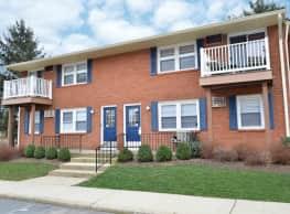 Creek Village Apartments - Levittown