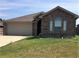 This 4 bed, 2 bath home has 1,848 square feet of l - Fort Worth