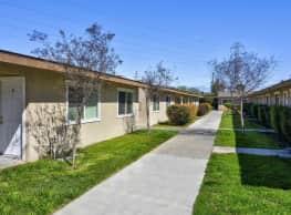 Garden Square Apartments - Fresno